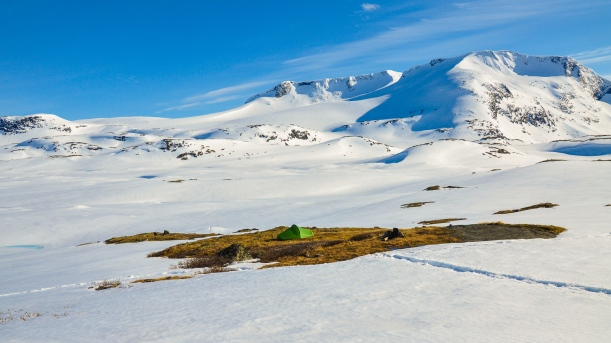 Camping on a snow-free island in front of Fanaråken